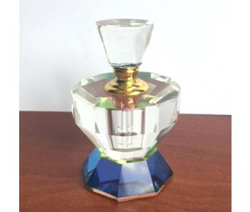 Elmas kesimli klasik klasik parfüm şişesi